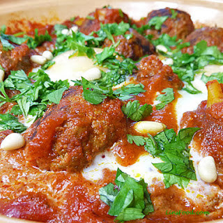 Moroccan Meatballs with Eggs in Tomato Sauce (Kefta Mkwara)