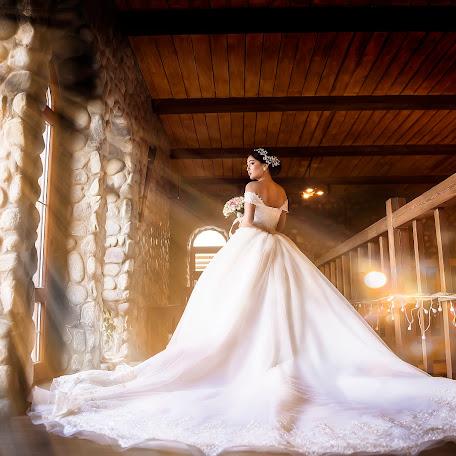 Wedding photographer Ruslan Rakhmanov (RussoBish). Photo of 07.12.2017
