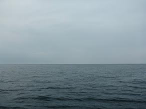 Photo: 水面はナギ・・・しかしだんだん空模様が。