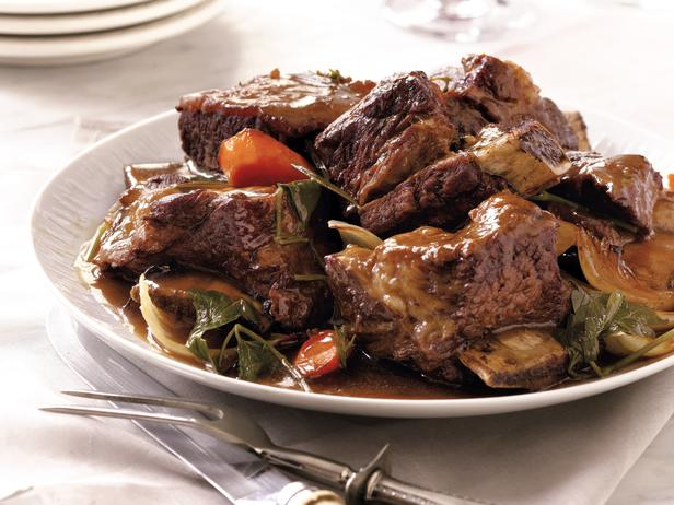 Photo: Sandra's Slow Cooker Short Ribs: Sandra's short ribs become tender and juicy when slow cooked, resulting in a truly comforting dish. Get this recipe>> http://ow.ly/9ovO6