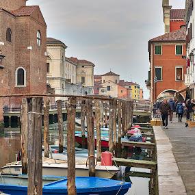 Un pontile a Chioggia  by Francesco Benettolo - City,  Street & Park  Street Scenes ( canale, pontile, passeggiata, chioggia, barche )