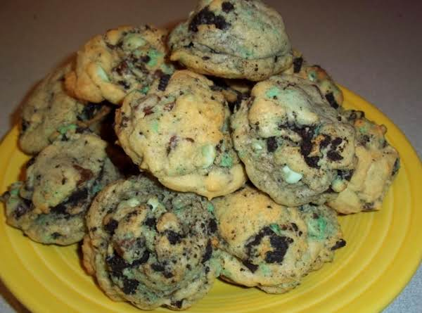 Yummo! Who Doesn't Love Chocolate Chip Cookies? Who Doesn't Love Oreos?  Now You Can Have Both Of Them Together!
