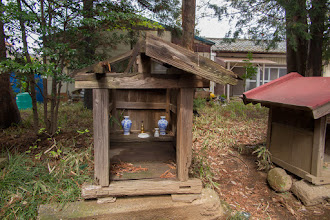 Photo: One of a line of small shrines behind the main building of Nagara Shrine, Ōizumi, Ōra District, Gunma Prefecture. Read more about Oizumi: http://japanvisitor.blogspot.jp/2015/04/oizumibrazil-in-japan.html
