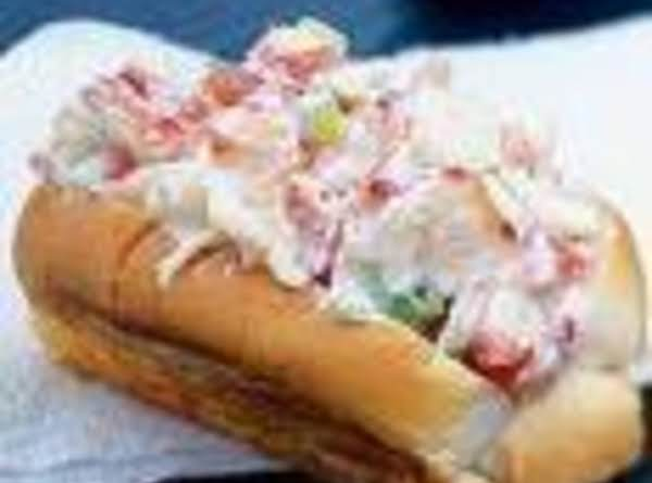 Classic New England Lobster Roll Recipe
