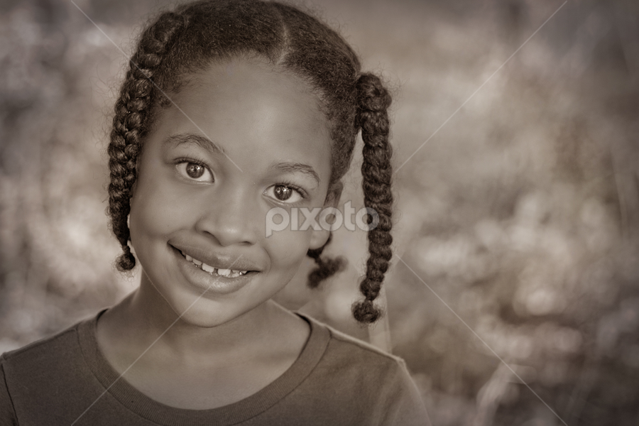 Melani Leigh by Justine Gallien - Babies & Children Child Portraits ( child, sweet, girl, smile, kid, black and white, b&w, portrait )