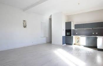 Divers 4 pièces 180 m2