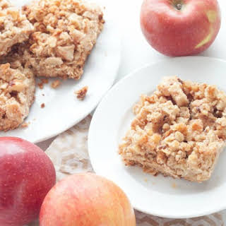 Healthy Apple Crumble Breakfast Bars.
