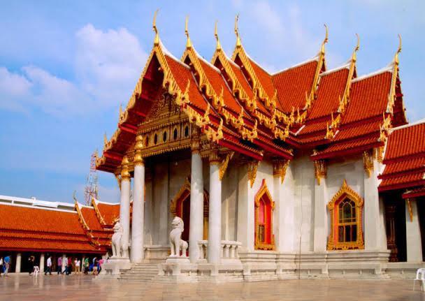 Templo de Mármore (Wat Benchamabophit)