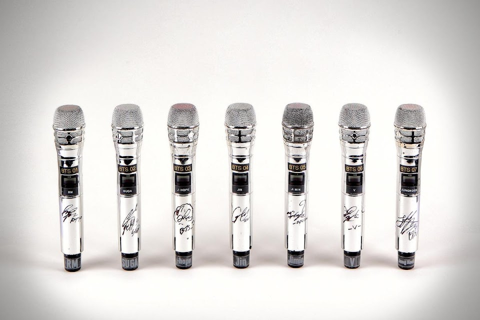 bts autographed mics