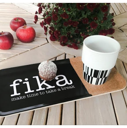 Bricka - Make time Fika - Svart/vit/kork