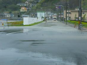 Photo: ちょうど、大潮の満潮と重なった為、低い土地には海水が!