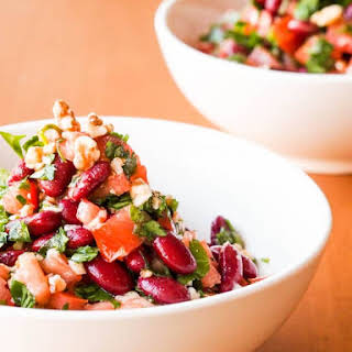 Vegan Tomato, Kidney Bean and Parsley Salad with Walnuts {Gluten-Free}.