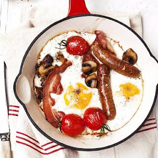 English Breakfast in the Pan.