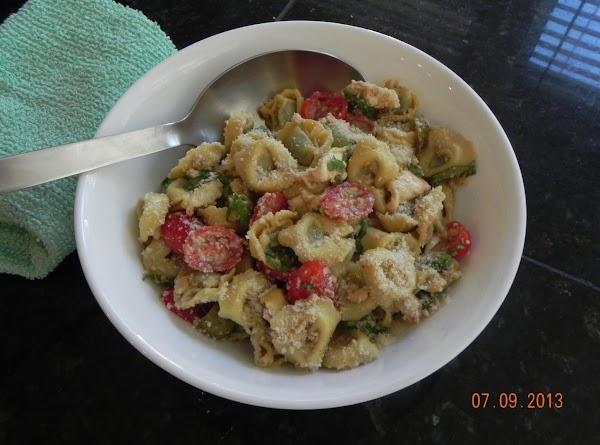 Caprese Tortellini Salad Recipe