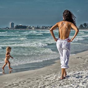Crescent Beach, Sarasota, Florida by Joe Saladino - People Family (  )