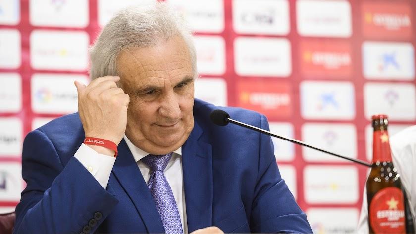 Alfonso está dándole vueltas a la cabeza para comprar el Murcia.