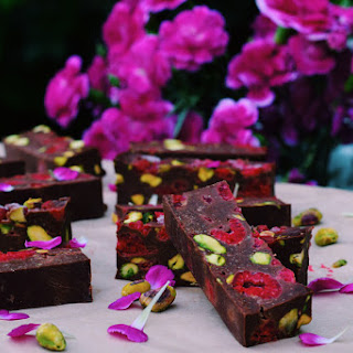 Raspberry Pistachio Fudge