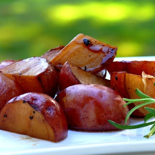 Balsamic Baked Red Potatoes.