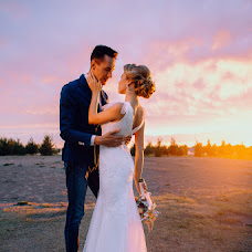 Wedding photographer Anna Bushueva (ladie). Photo of 16.10.2014