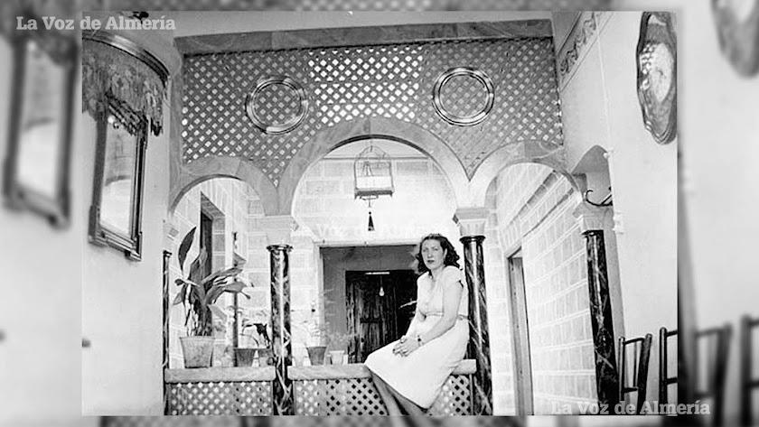 Patio de luces de la casa del maestro de obras. Los bloques de piedra procedían de la cantera de Pescadería. Destacaban las columnas de mármol.