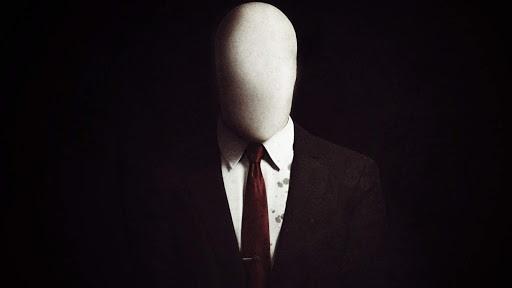 slenderman-leyenda-urbana-hombre-alto-delgado-atormenta-ninos