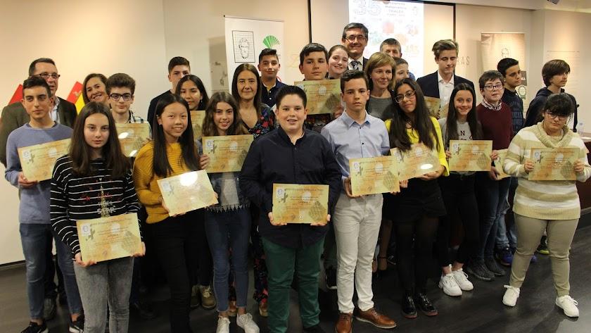 Premiados  en la fase provincial de la 'XXXV Olimpiada Matemática Thales' .