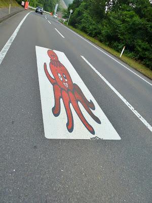 国道398号のタコ親子 写真2