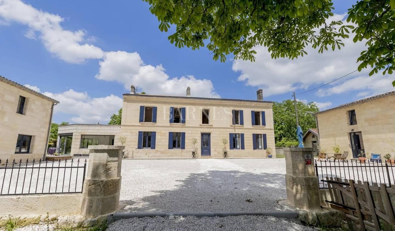 Maison Saint-André-de-Cubzac