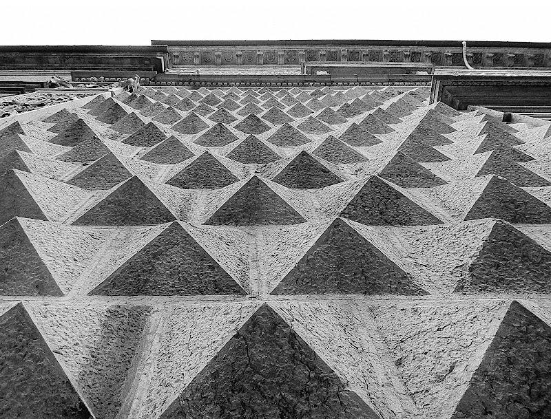 Distesa di Piramidi di ChiarArts