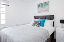 Elthorne Luxury Apartments (X2) - Uxbridge