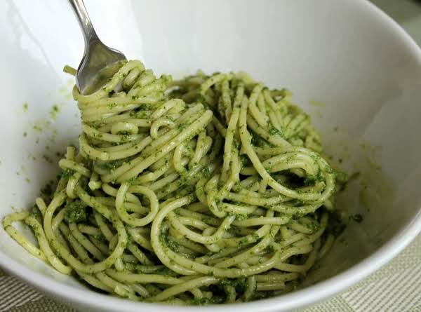 Spaghetti With Parsley Pesto Recipe