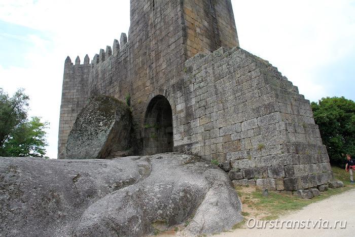 Достопримечательности Португалии - Замок Гимарайнш