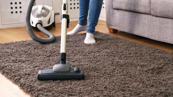 Sử dụng tinh đầu và nước hoa để thảm có mùi theo ý mình
