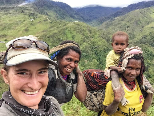 Indonesia. Papua Baliem Valley Trekking. Making friends with the local Papuan women.