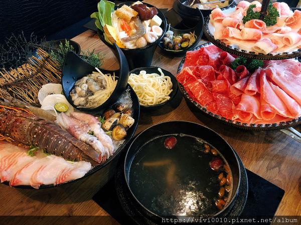 煮火鍋霸氣龍蝦海鮮盤,三種和牛拼盤超浮誇~用料實在又新鮮
