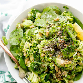 Apple Cider Vinegar & Greens Detox Salad