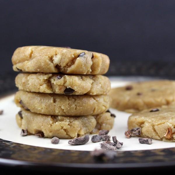 Raw food chocolate chip cookies