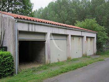 parking à L'Hermenault (85)