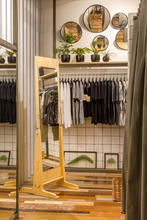 Thiết kế shop thời trang kết hợp quán cafe - thiết kế shop quần áo 5
