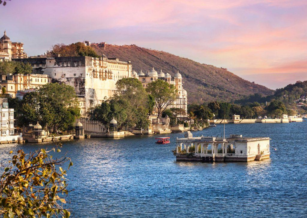 15 Best Places to Visit in Udaipur (2021) Tourist Places in Udaipur - FabHotels