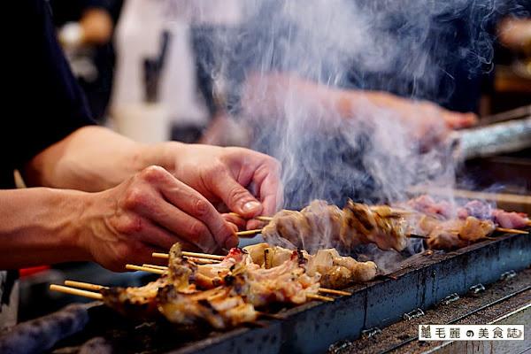 『鳥丈爐端燒』原食炭魂串燒好滋味 船槳送菜 夜夜定時上演稻草燒火燄秀