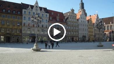 Video: straatbeeld van een koud Wrocław