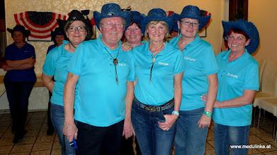 Photo: die blue hat linedancer - nachfolger der millquarter linedancer