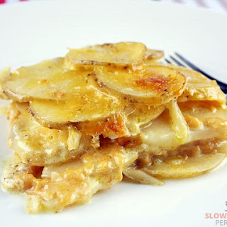 Slow Cooker Scalloped Potatoes.