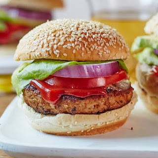 How To Make Juicy Turkey Burgers.