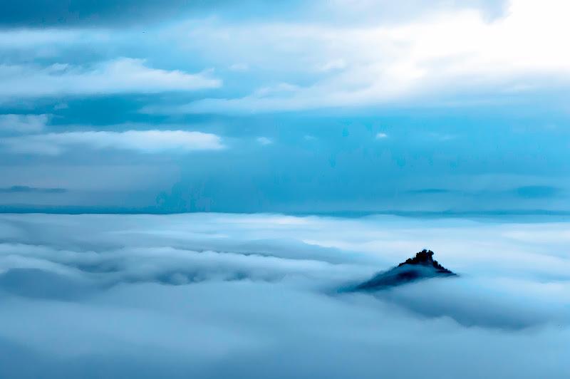 Beyond Clouds di SCB