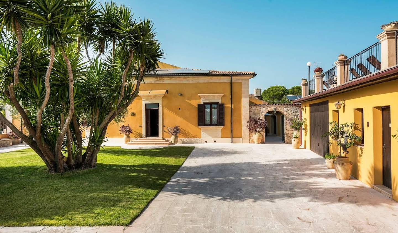 Maison avec jardin et terrasse Noto