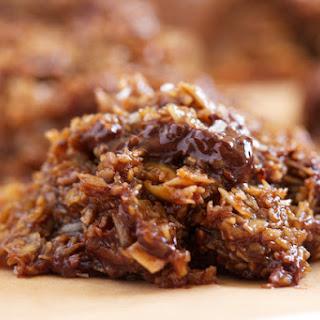 Chocolate Chunk Salted Caramel No-Bake Cookies