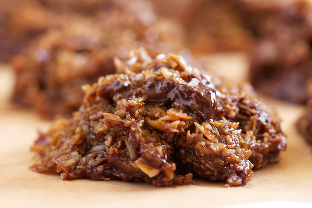 Chocolate Chunk Salted Caramel No-Bake Cookies Recipe | Yummly