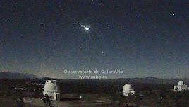 El bólido pudo verse perfectamente brillando sobre las cúpulas de Calar Alto.